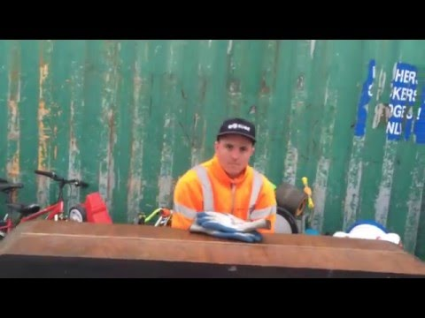 Tip Worker Plays Abandoned Piano Newcastle Howdon - Viral