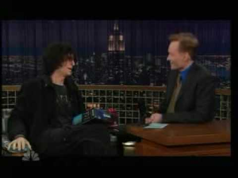 Howard Stern predicts Leno wont leave Tonight Show 2006