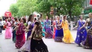 Праздник Колесниц Ратха-ятра в Саратове. 14 мая 2016