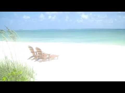 Chilling on the beach in North Caicos (Turks & Caicos Islands)