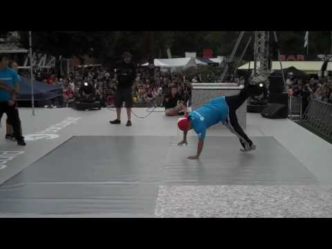 Thames Festival '09 - Funkstylerz Worldwide Squad (clip1)