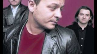 Manic Street Preachers - To Repel Ghosts (Maida Vale Studios 01/11/04)
