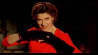 8 женщин песня: A Quoi Sert de Vivre Libre - Fanny Ardant