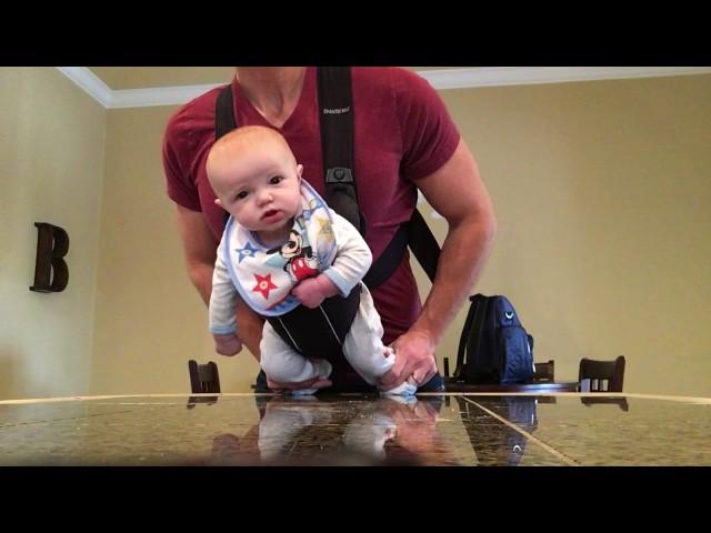 El 'moonwalk' a lo Michael Jackson de este bebé de cuatro meses arrasa en todo el mundo