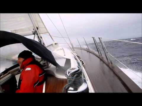 Burrasca in mar Ionio forza 8 - barca a vela - Bavaria 49 by