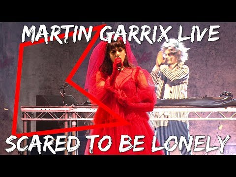 Martin Garrix & Dua Lipa – Scared To Be Lonely (Live) | KISS House Party Live