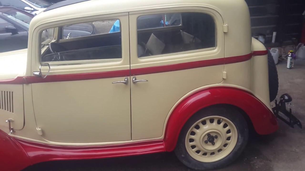 zabytkowy samochód marki fiat po renowacji
