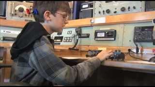 Ber-Radio Amatir dari Kapal Queen Mary - Liputan Feature VOA
