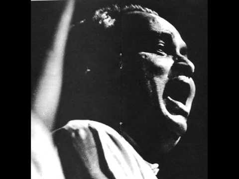 Pandit Kumar Gandharva sings Raga Des