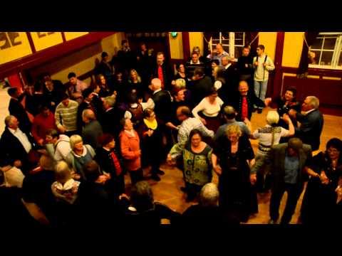 Traditional faroese dance - Føroyskur dansur, Ólavsøka 2012