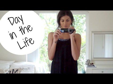 DAY IN THE LIFE of a Yoga Teacher & Youtuber | Sarah Beth Yoga