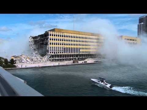 Demolition of part of the former Miami Herald building