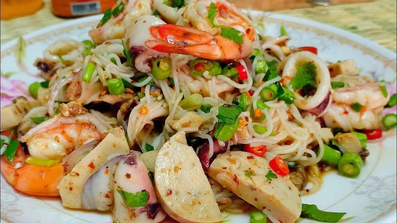 ยำขนมจีน ยำข้าวปุ้นรวมเด็ดทะเล เครื่องเเน่น หอมปลาร้า💯 แซ่บนัวจ้า!!