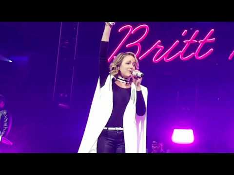 Britt Nicole - Through Your Eyes (live at Winter Jam)