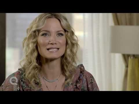 Jennifer Nettles Dishes on Working with Jewelry Designer Carolyn Pollack