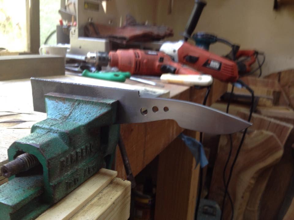 Como fabricar un mini cuchillo de bolsillo desde cero doovi for Como pulir un cuchillo