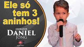 Criança de 3 anos do Suriname pede pra cantar, olha o que aconteceu