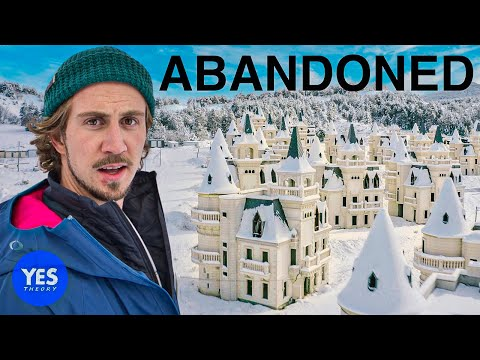 Exploring the $200,000,000 Abandoned Disney Castle Village (530 Castles)