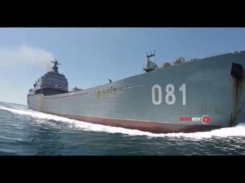 Ну вы дебилыыы... Владивосток. Резиновая лодка против большого десантного корабля