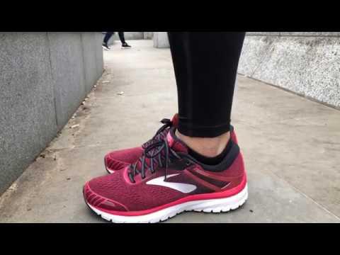 women's-brooks-adrenaline-gts-18-(pink/black/white)