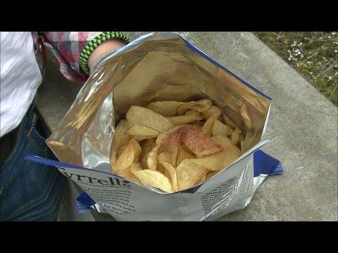 Chips : Le business le plus croquant des vacances - reportage exclusif