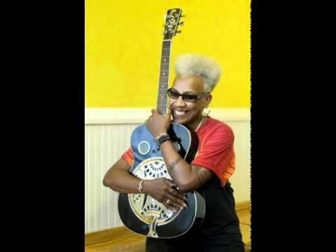 Saffire - Middle Aged Blues Boogie