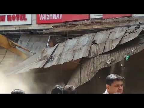 Demolition in Khari baoli  chandni chowk. Today 18/05/ 2018  खारी बावली  बन्द
