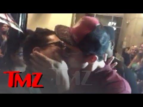 'Justice League' Star Ezra Miller Kisses boy  TMZ