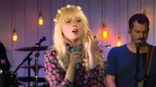 Amanda Jenssen rör Ola Salo till tårar med hans egen låt