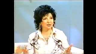 Роксана Бабаян о защите животных (Принцип домино. Люблю животных больше чем людей (2003))
