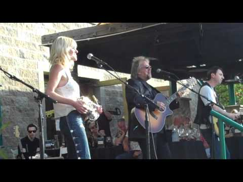 Mindi Abair David Pack perform That's How Much I Feel Live at Thornton Winery