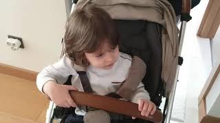 Fatih selim'in bebek arabası?hangisini kullanacak?mamas papas ve kırmızı baston dolaptan çıktı.