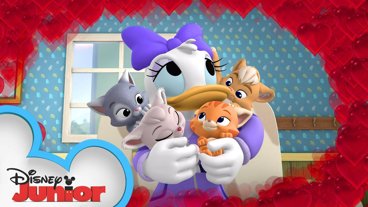 Happy Helpers Babysit Kittens 🐱| Mickey Mouse Mixed-Up Adventures | Disney Junior
