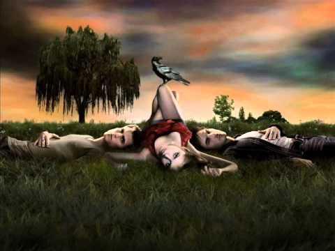 Vampire Diaries 1x02 - Help I'm Alive ( Metric )