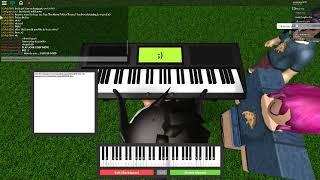 Roblox piano despacito (folha na mesa)