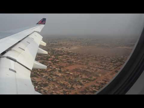 Aeroport de Ouagadougou avec le Kolweogo - Burkina Faso