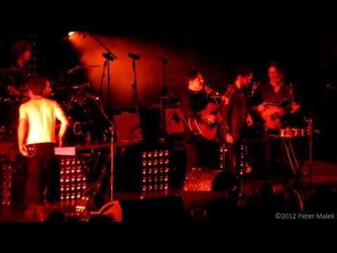 Mumford & Sons - Awake My Soul (Live feat. Dawes)