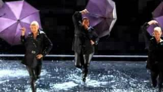 Glee- Singing in the Rain/Umberella