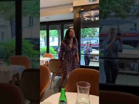 Elisa Tovati revient sur son pétage de plombs dans un restaurant