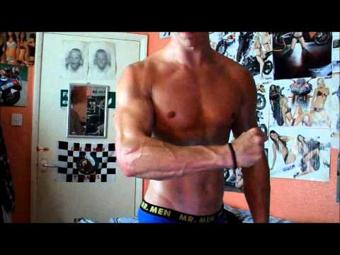 Ripped Muscle Guy Stephen - Oil Flexing with V Lines