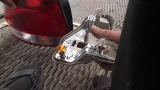 как снять задний фонарь и заменить лампы,на Volkswagen Polo V