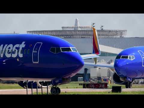 The Southwest Airlines rush hour snake! (Spotting Houston Hobby KHOU) 10-01-2017