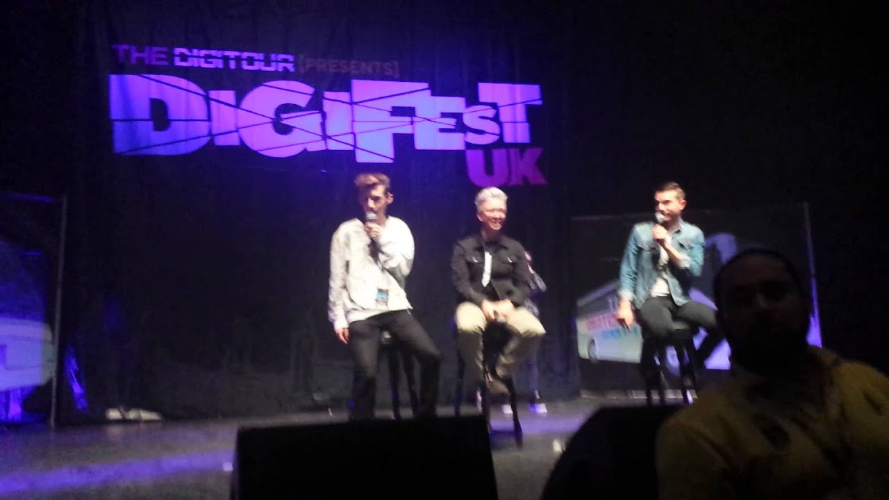 Troyler kiss @ Digifest UK London - YouTube