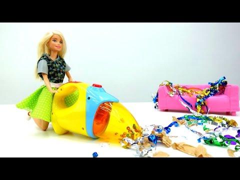 Видео для девочек: #Барби делает уборку после вечеринки! Игры с Барби