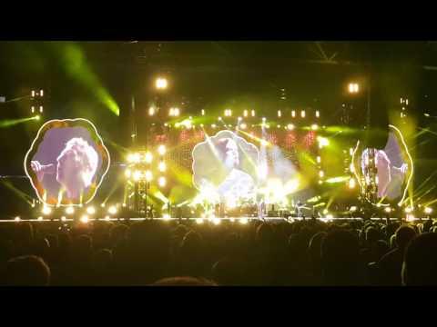 Coldplay 2016 - BRISBANE: Yellow