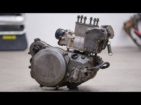 Inside A Neglected Engine   RM250 Rebuild 4