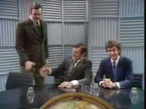 Monty Python - Man who speaks only the ends of words