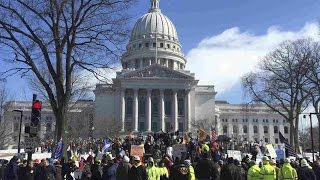 Wisconsin Legislators Pass Right To Work Law