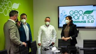 Visita a la nueva planta destinada a la fabricación de mascarillas de la empresa Geopannel