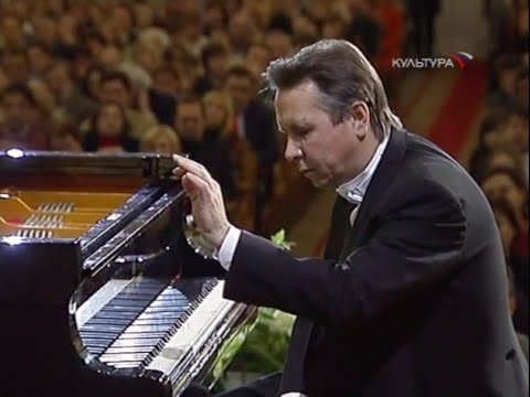 Mikhail Pletnev plays Chopin Preludes, op. 28 - video 2004